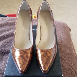 Size 8 Tahari Calypso Tortoise heels